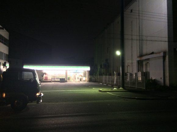 兵庫突堤コンビニ